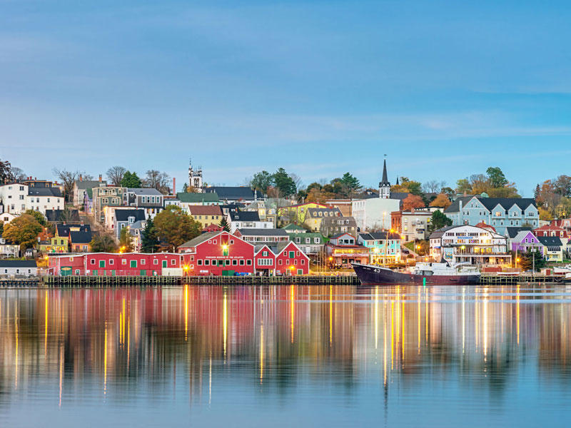 Atlantic Maritimes Explorer Train Trip  |  Lunnenburg
