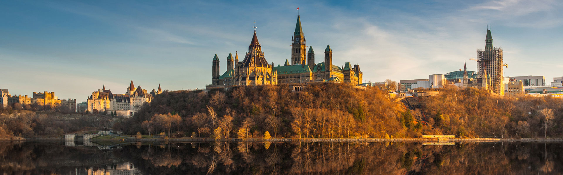 Ottawa Parliament Buildings| Canada Train Vacations