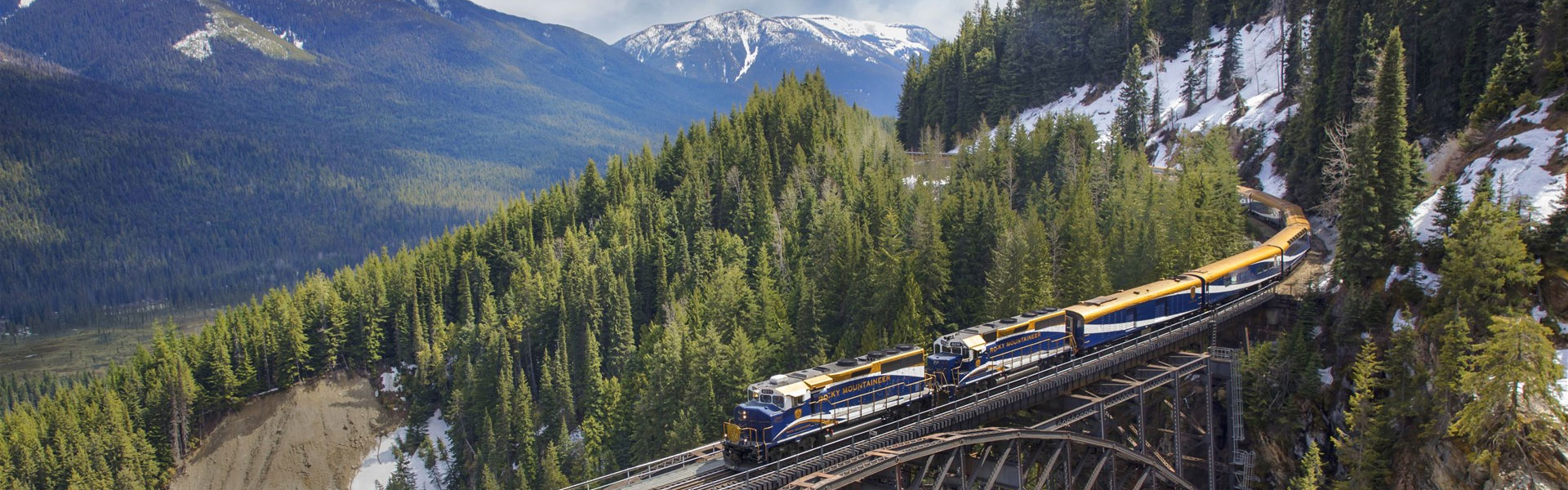 Canadian Rockies Train Vacations | Rocky Mountaineer Train Banff