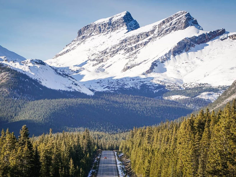 Canadian Rockies Scenic Delights by Road & Rail