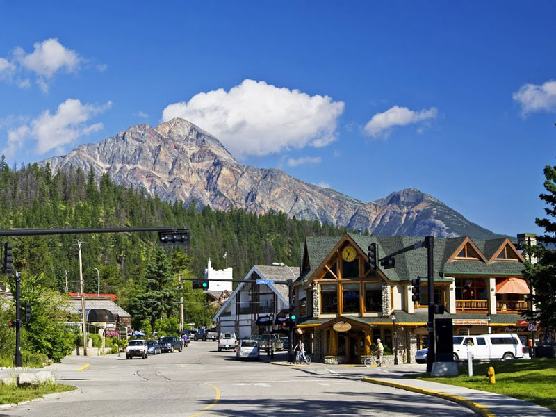 Canadian Rockies Scenic Delights by Road & Rail | Jasper