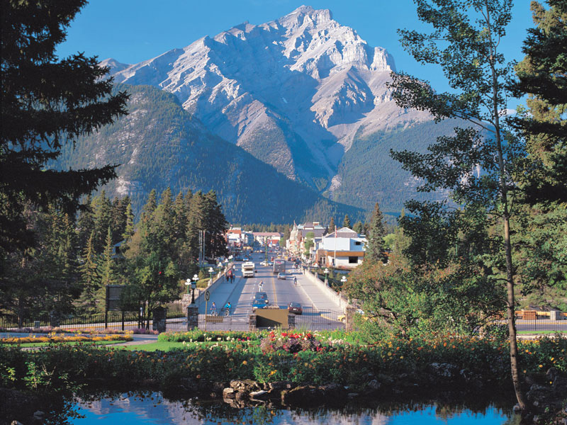 Canadian Rockies Train Combo Circle Tour with Alaska Denali Cruise Tour | Banff