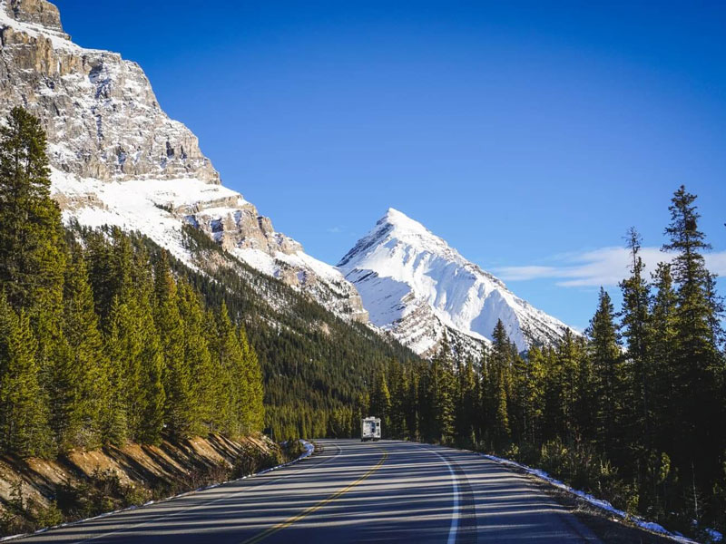 Canadian Rockies by Rail Grand Circle Tour | Icefield Parkway