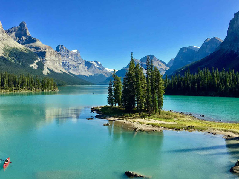 Complete Canadian Rockies by Rail | Maligne Lake Cruise