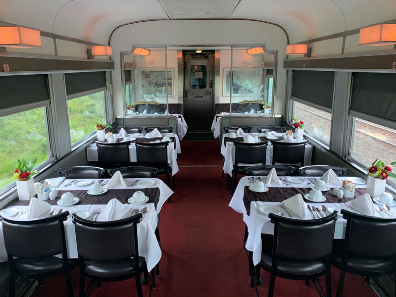 The Canadian & Ocean - Dining car
