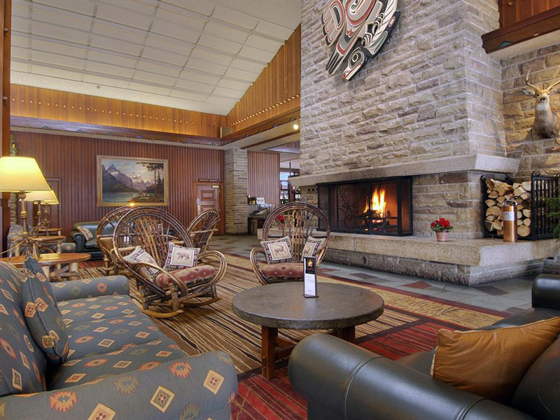 Stay at the Fairmont Jasper Park Lodge | Canadian Rockies Train Vacations