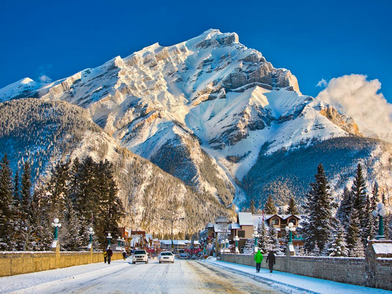 Luxury Snow Train to the Canadian Rockies | Banff