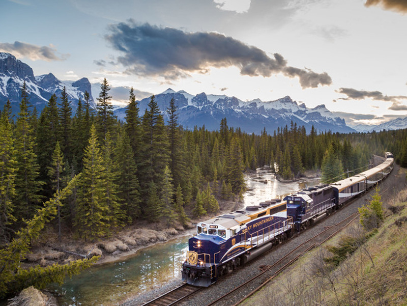 Spectacular West Train to the Canadian Rockies | Rocky Mountaineer Train