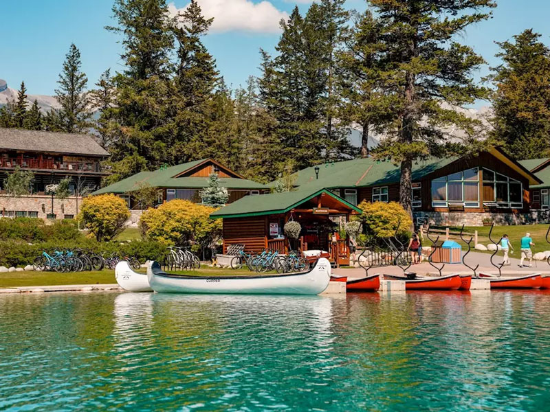 Canada Train Vacations | Fairmont Jasper Park Lodge