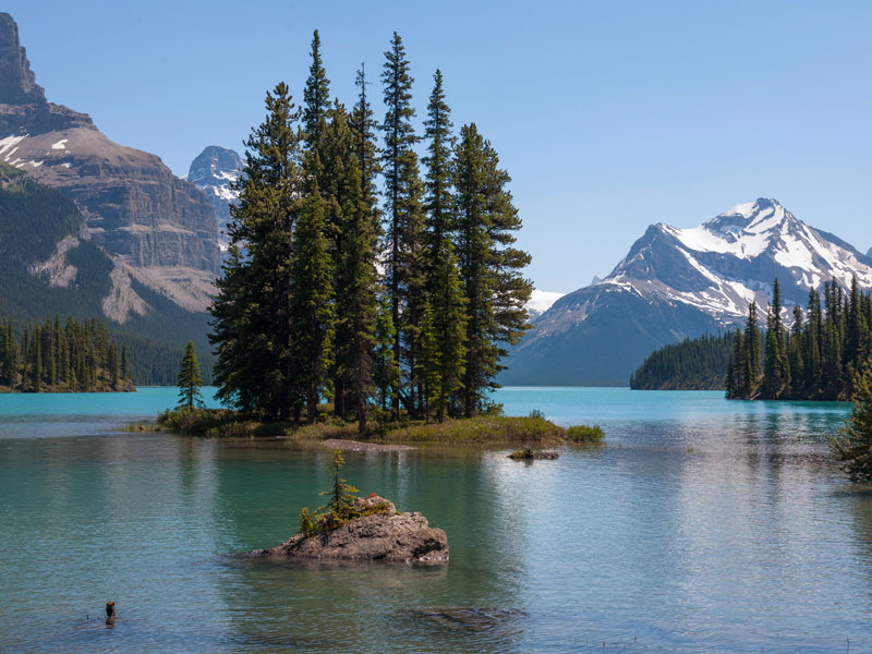 Canada Train Vacations | Maligne Lake, Jasper