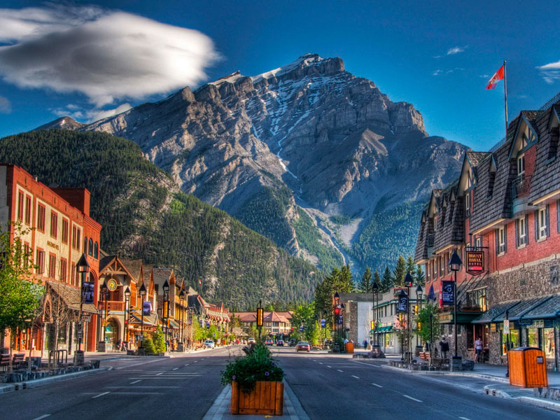 Canada Train Vacations | Banff